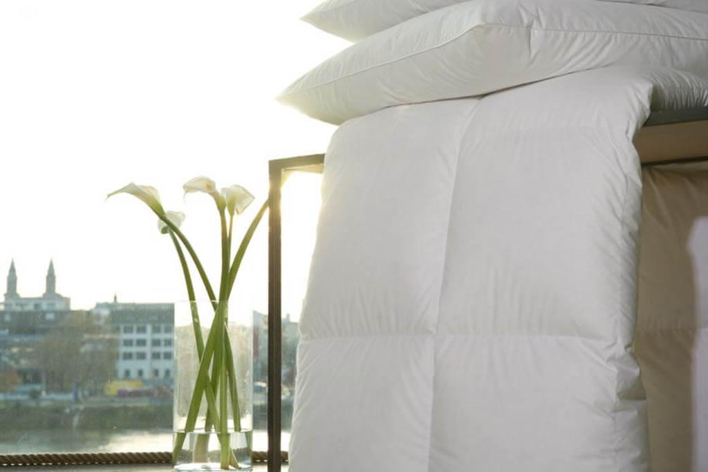 Centa-Star-Harmony-Sommerbett-extra-leicht-Ambiente