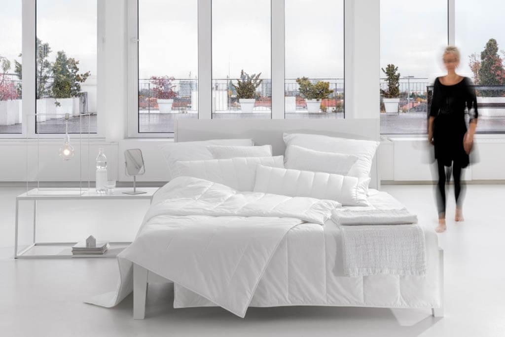 Centa-Star-Allergo-Protect-Sommerbett-Leicht-Bett-Ambiente