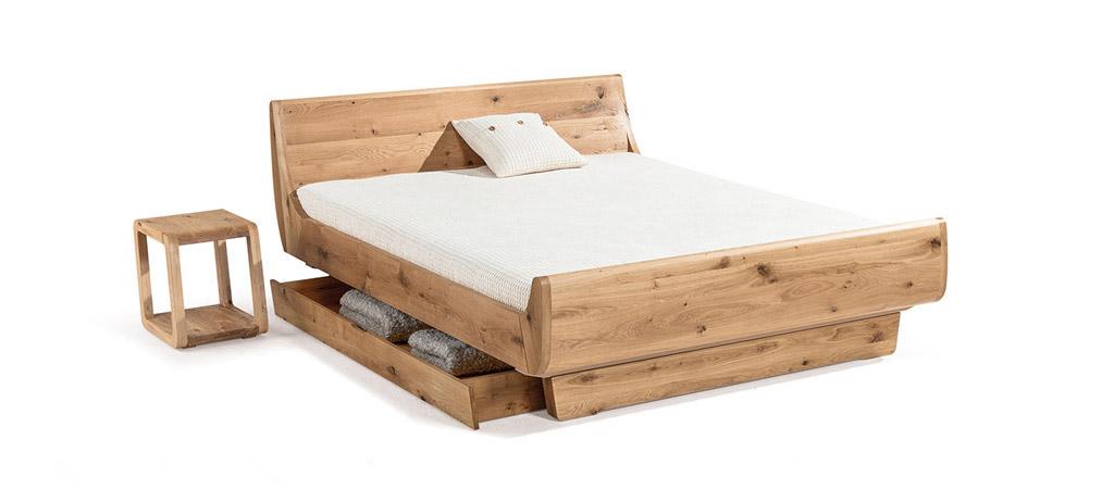 Dormiente-Massivholzfuss-durchgehend-fuer-Massivholzbett-Mola-DetailansichtuCPxam6l2b1o8