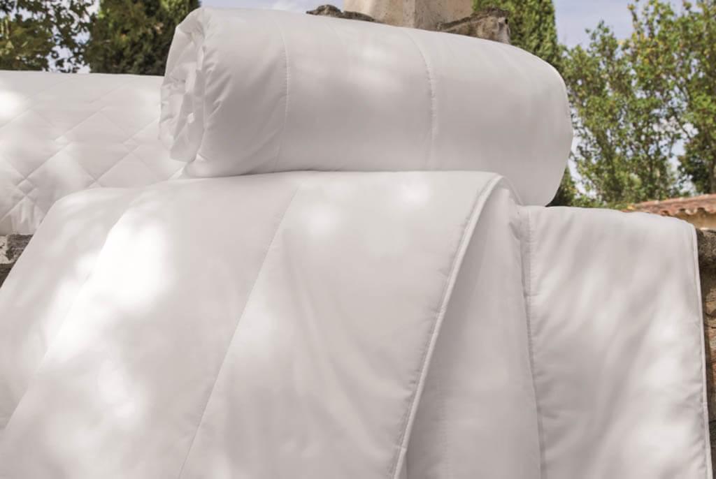 Centa-Star-Royal-Vierjahreszeitenbett-Combi-Bett-Ambiente