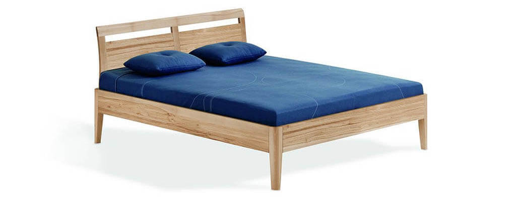 Dormiente-Massivholzbett-Kalmera-Maxi-Abbildung-mit-Rueckenlehne5GPBTFCBwtPA1